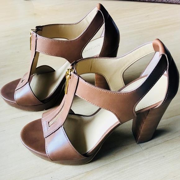 784e6ba98b3 Michael Kors Berkley T-Strap Platform Sandals. M 5accfa2f84b5ce88fc63f098